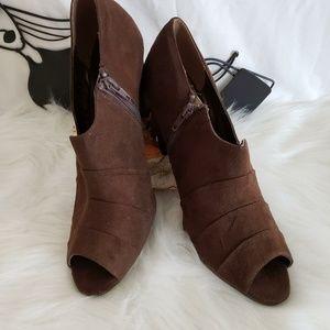 Rialto Womens Wedge Suede Cone Heel Ankle Bootie